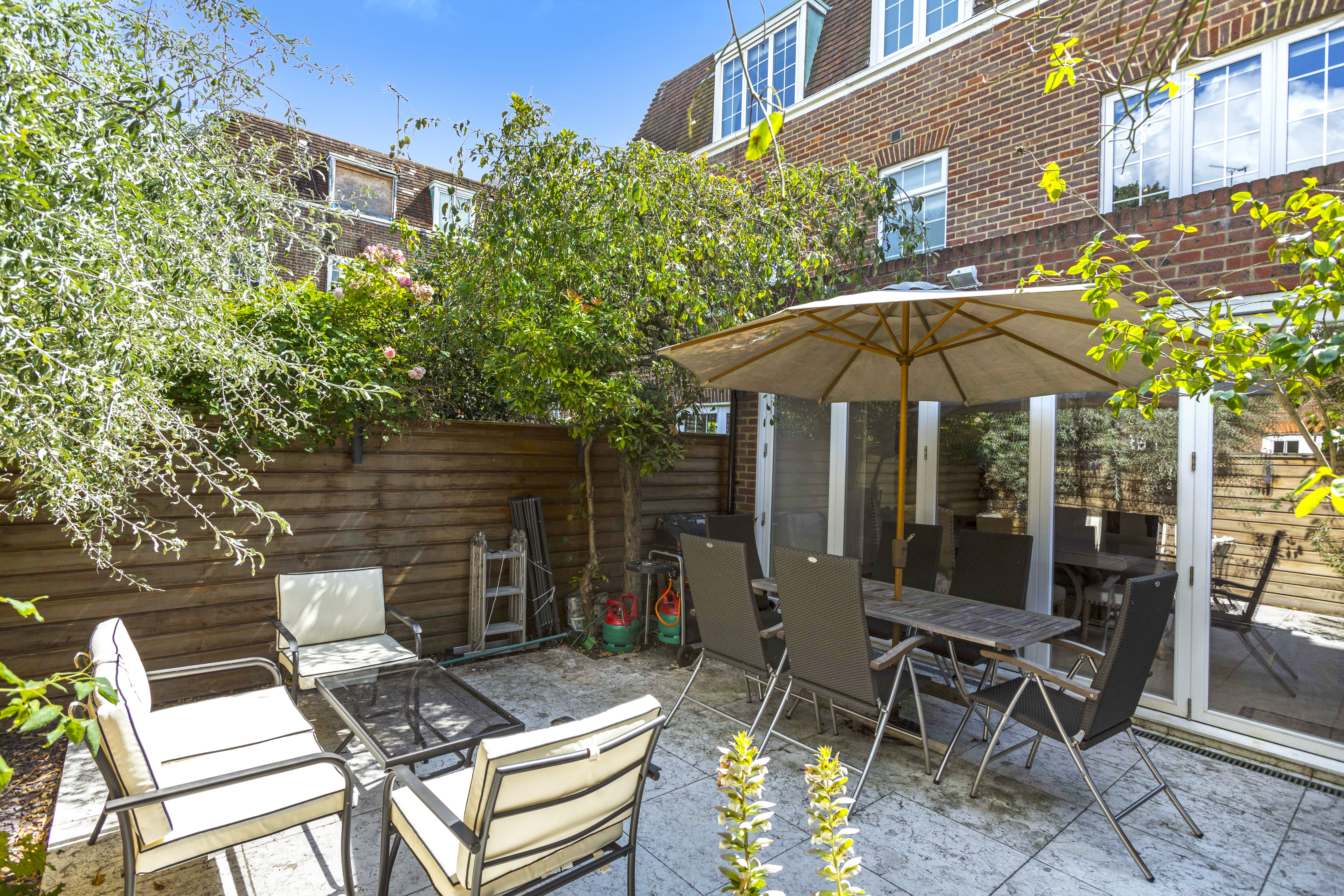 Abbotsbury Close, Holland Park, London